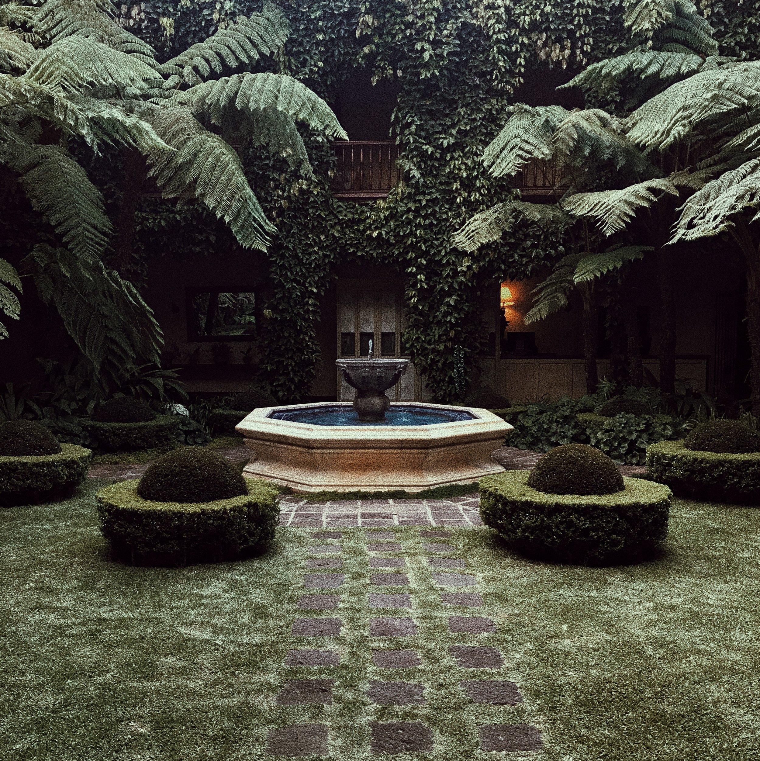 The garden of Palacio de Dona Leonor behind the tea room.