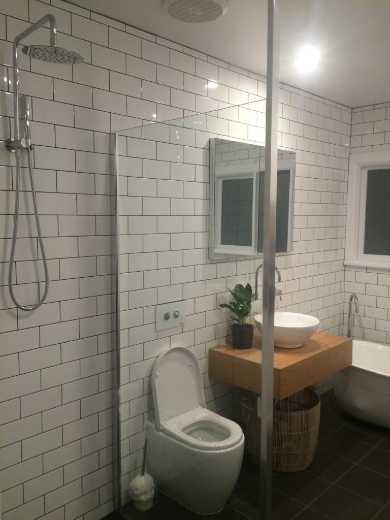 Mel bathroom 3.jpg
