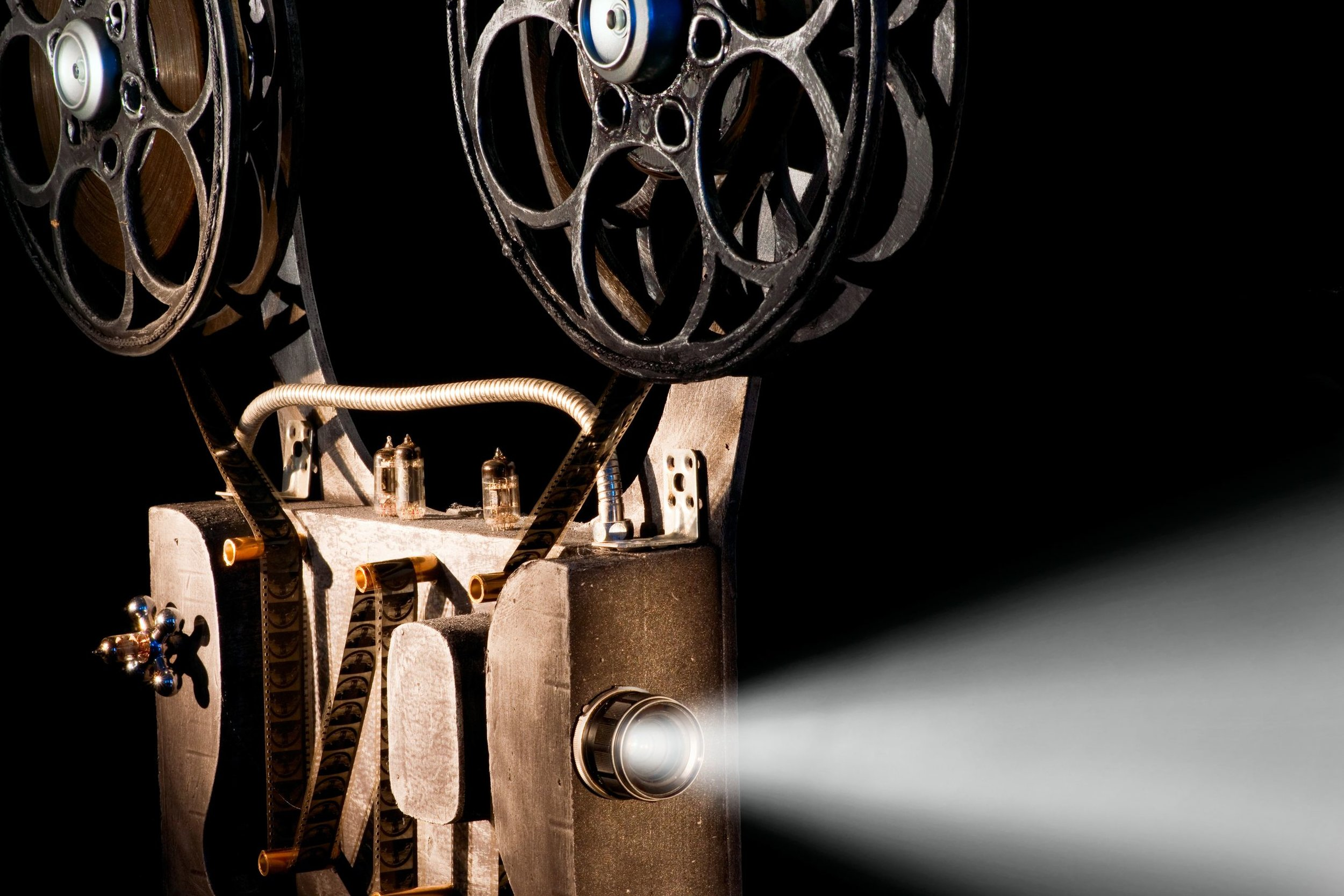 australia_vintage_projector_123rf.jpg