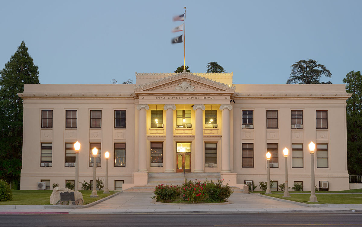 1200px-Inyo_County_Courthouse,_California_by_dusk.jpg