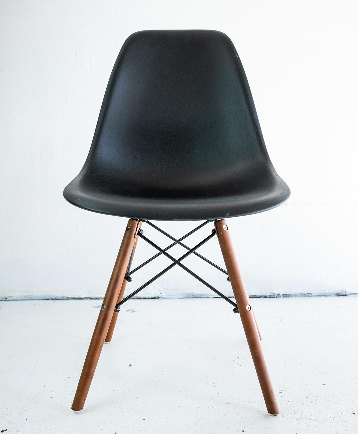 Mid_Century_Resin_Chair.jpg