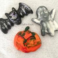 spook-tacular glitter crayons