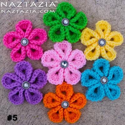 crochet-kanzashi-flower-flowers-donna-wolfe-naztazia.jpg