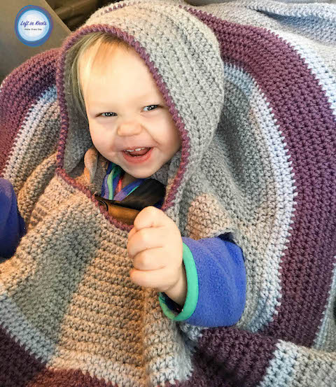 Children aren't supposed to wear bulky jackets in their car seats, but they also need to stay warm during the cold winter days. That's why your littles need a car seat poncho! Use this free crochet pattern and super bulky yarn to make this easy car seat poncho that even a beginner could make. Your babies will stay safe, warm and cozy!