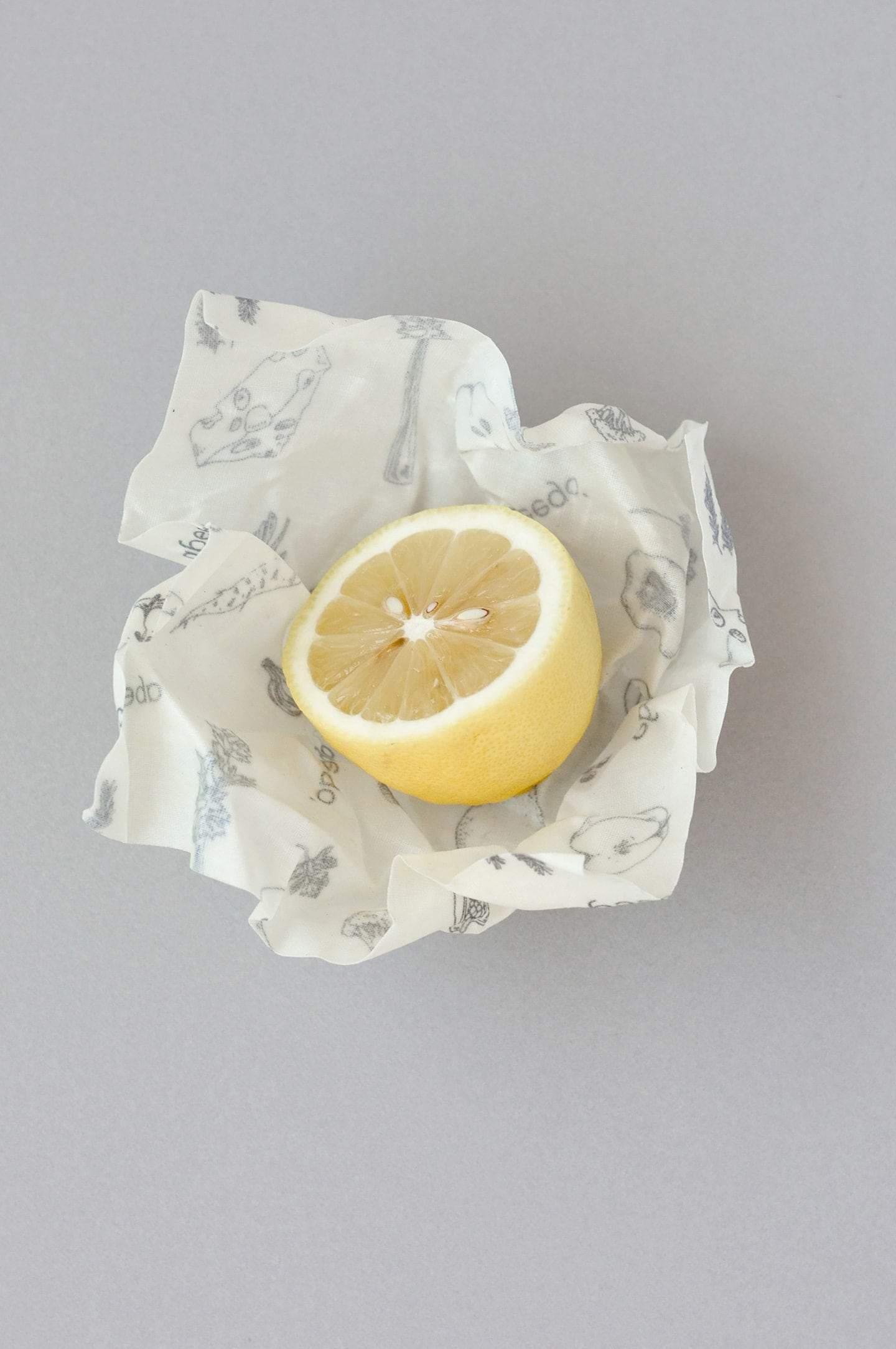 beeswax-wrap-lemon-small-abeego-1_7153d2f4-1010-4855-97f5-57999c456c1b.jpg