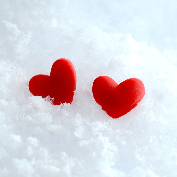 two%20hearts%20in%20snow.jpg