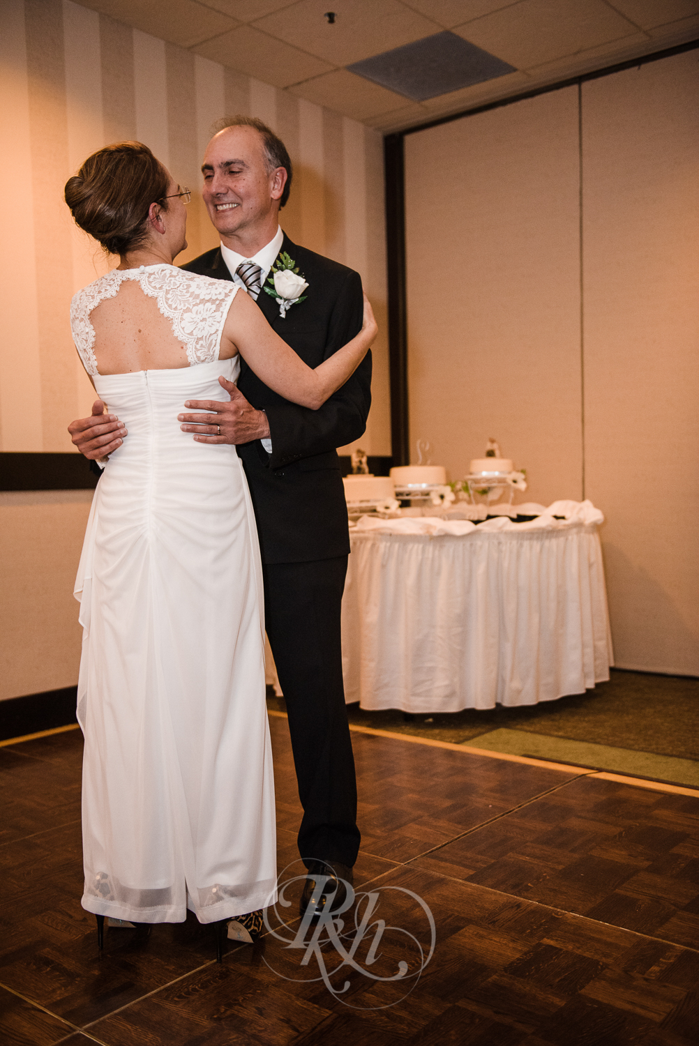 Lakeville Wedding Photography - Bertie & Maurico - RKH Images-24