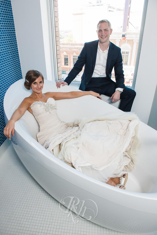 Minneapolis Wedding Photography - Becca & Justin - RKH Images-18