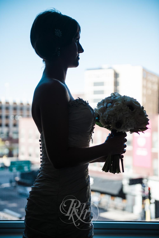 Minneapolis Wedding Photography - Becca & Justin - RKH Images-21