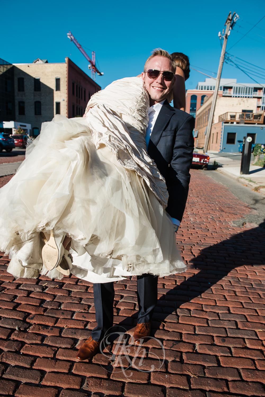 Minneapolis Wedding Photography - Becca & Justin - RKH Images-32