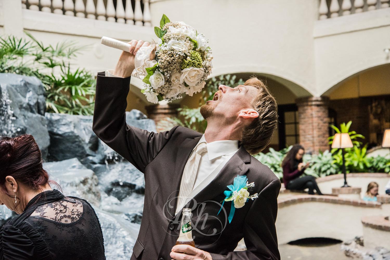 Minnesota Wedding Photography - Ashley & Justin - RKH Images-23