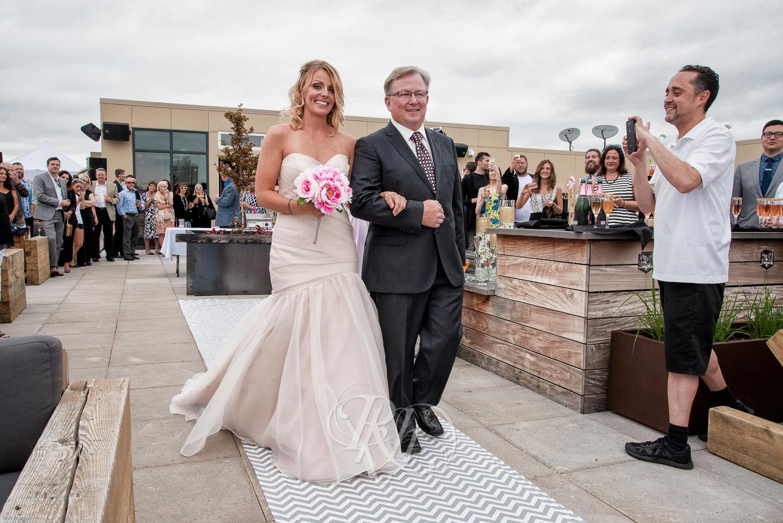 Stacey & Bryan - Minnesota Wedidng Photographer - RKH Images - Samples-29.jpg