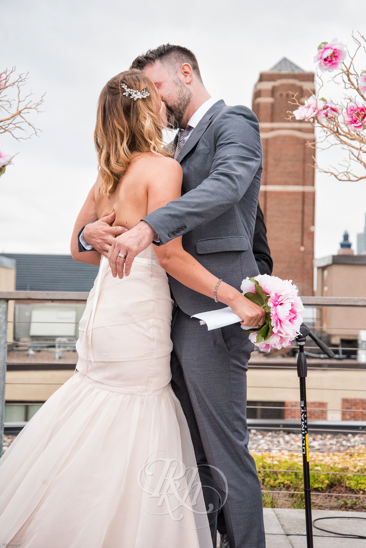 Stacey & Bryan - Minnesota Wedidng Photographer - RKH Images - Samples-33.jpg