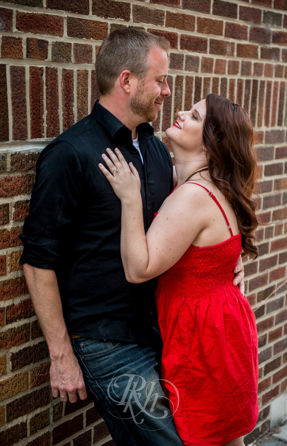Sean & Jessica - Minnesota Engagement Photography - RKH Images-5.jpg