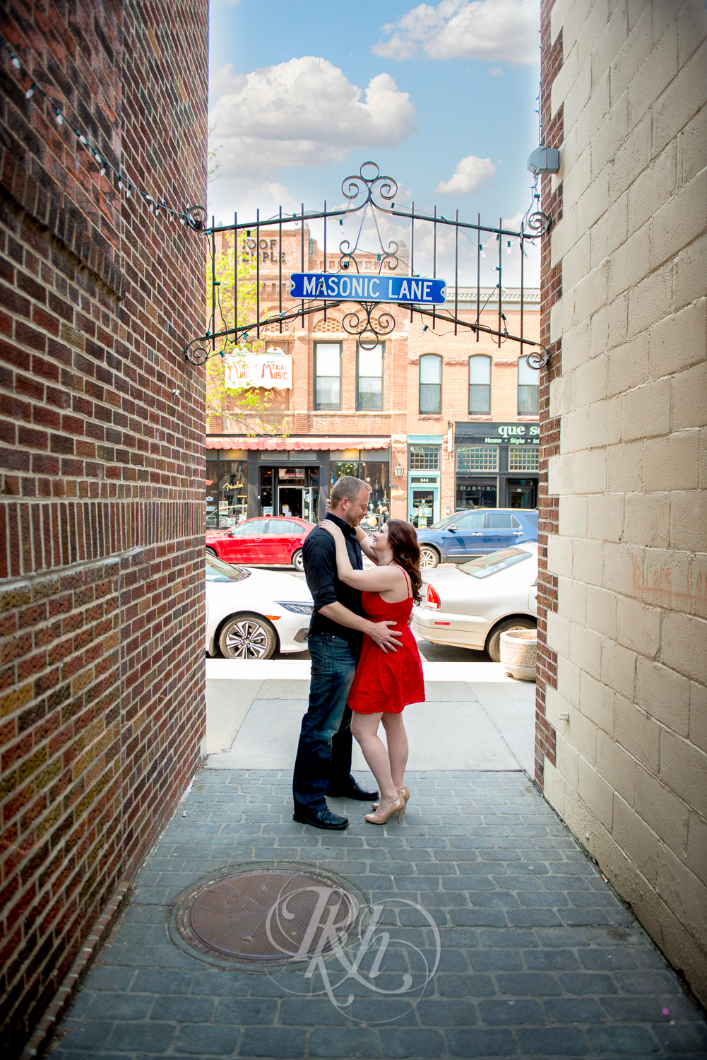 Sean & Jessica - Minnesota Engagement Photography - RKH Images-7.jpg