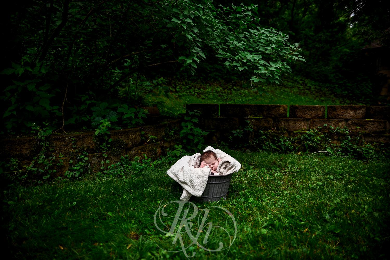 Baby Ella - Minnesota Baby Photographer - RKH Images - Blog-6.jpg