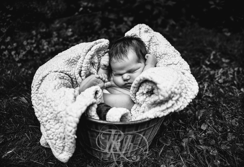 Baby Ella - Minnesota Baby Photographer - RKH Images - Blog-8.jpg