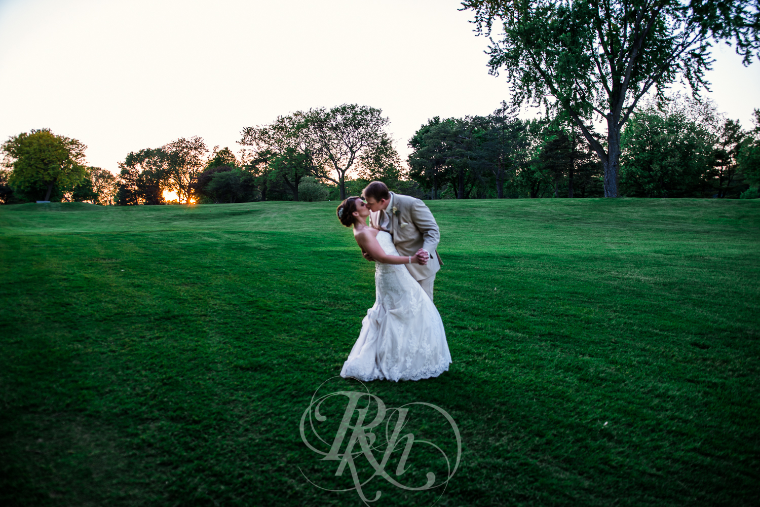Blog - Whitney & Brent - Minnesota Wedding Photographer - RKH Images - Blog 4-5.jpg