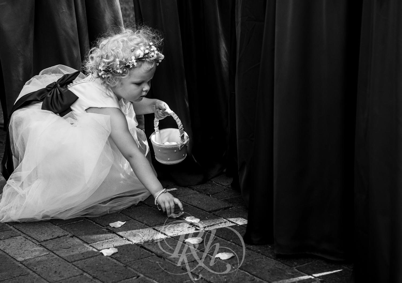 Dani & Chris - Minnesota Wedding Photographer - RKH Images - Ceremony-6.jpg