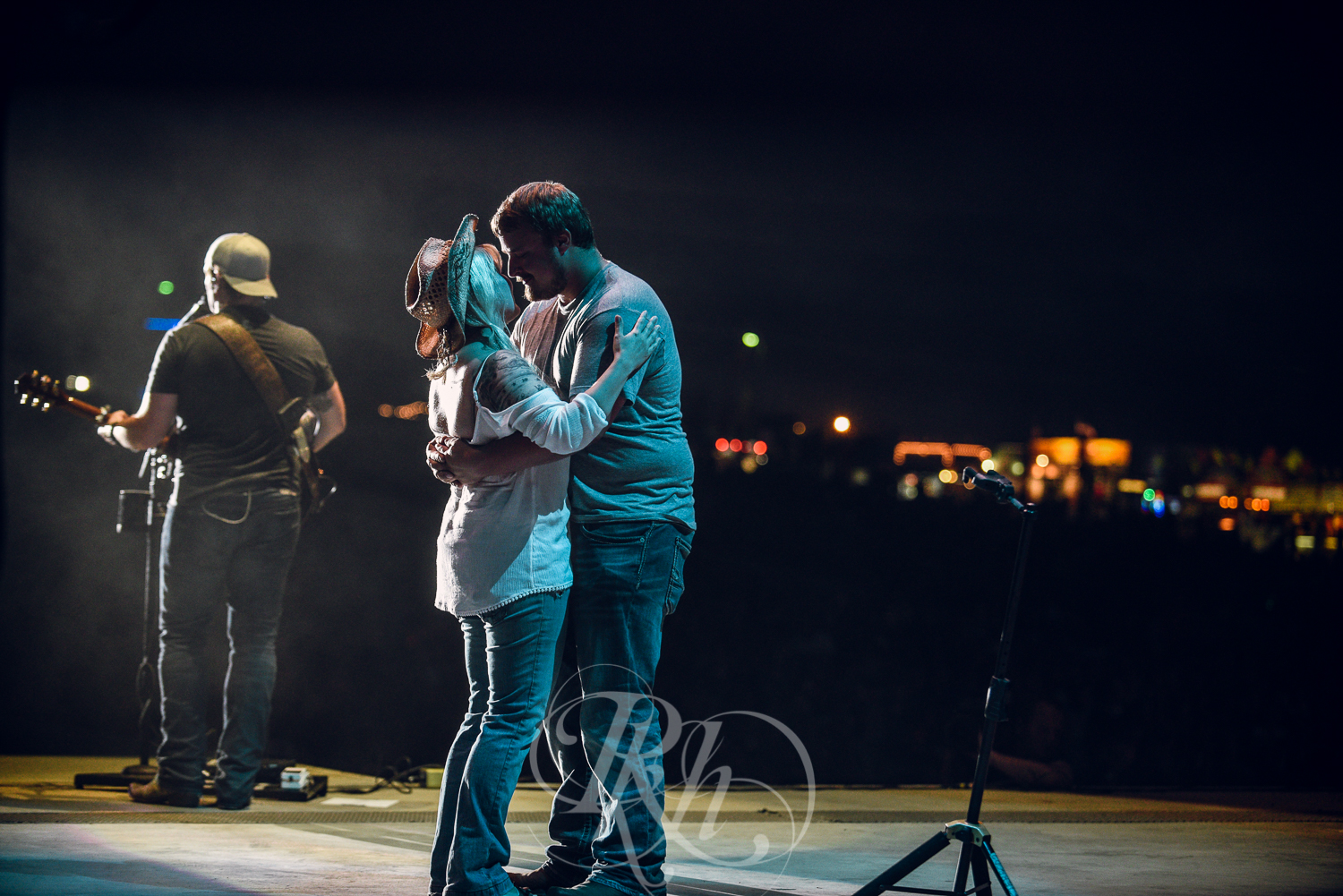 Country Fest Proposal - Minnesota Wedding Photographer - RKH Images -10.jpg