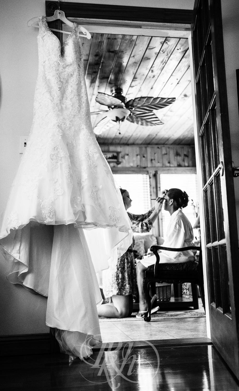 Norilyn & Luke - Minnesota Wedding Photographer - RKH Images - Getting Ready-8.jpg