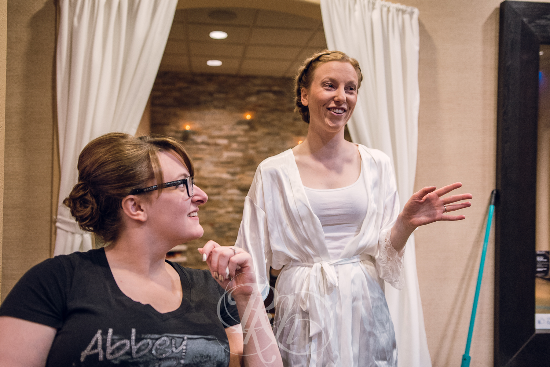 Erin & Jared - Minnesota Wedding Photographer - RKH Images - Blog - Getting Ready-7.jpg