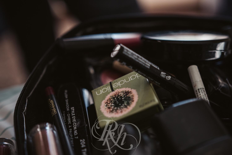 Thuy & Allen - MN Wedding Photography - Millenium Gardens -  RKH Images - Blog - Getting Ready-2.jpg