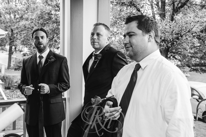 Jessie & Sean - Minnesota Wedding Photography - RKH Images - Getting Ready-4.jpg