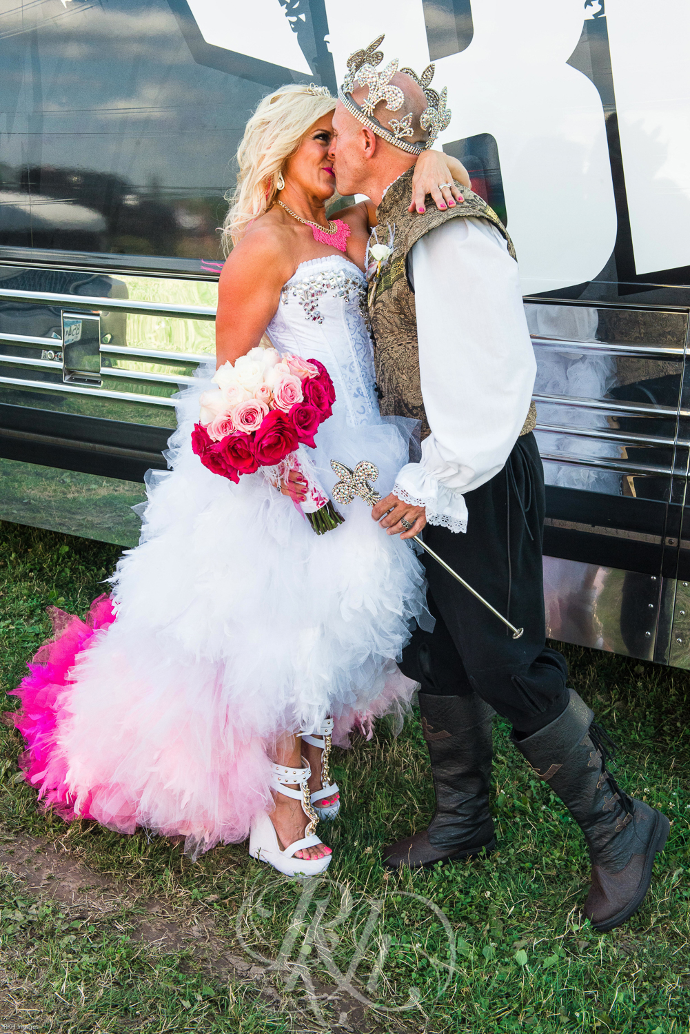 Rock Fest Wedding - RKH Images -16.jpg