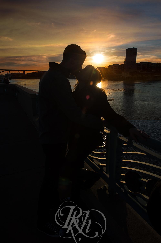 Maddie & Mike - Minnesota Engagement Photography - RKH Images - Blog -2.jpg