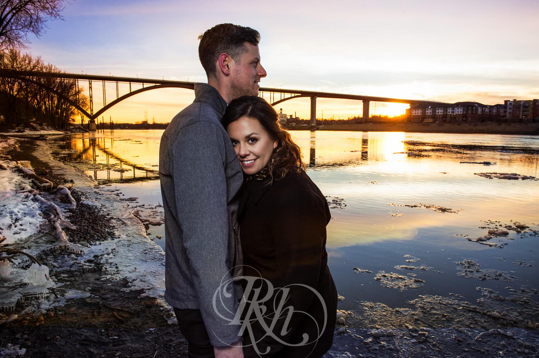 Maddie & Mike - Minnesota Engagement Photography - RKH Images - Blog -3.jpg