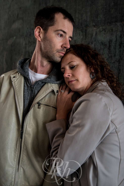 Stephanie & Sean - Minnesota Engagement Photography - RKH Images  -6.jpg