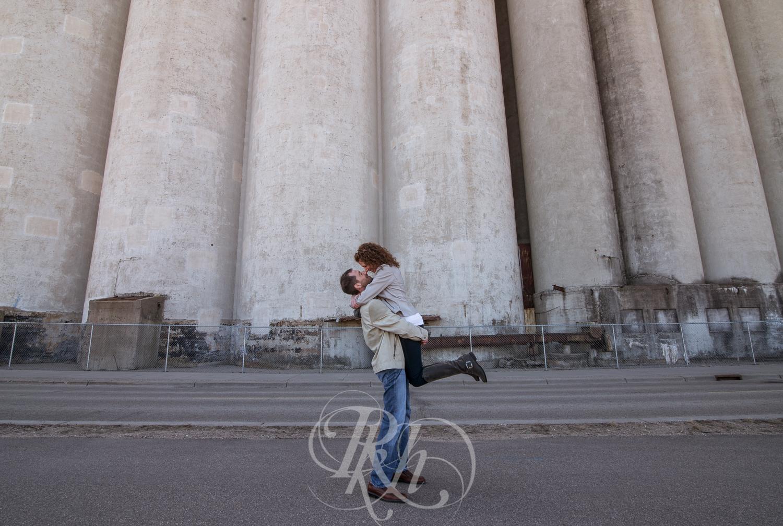 Stephanie & Sean - Minnesota Engagement Photography - RKH Images  -8.jpg