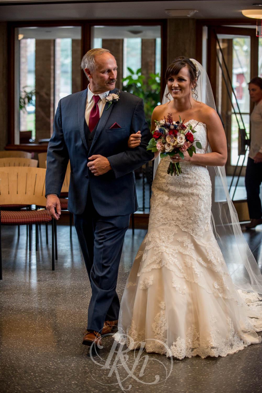 Nicole & Blake - Minnesota Wedding Photography - Minnesota Golf Club - RKH Images - Blog (11 of 44).jpg