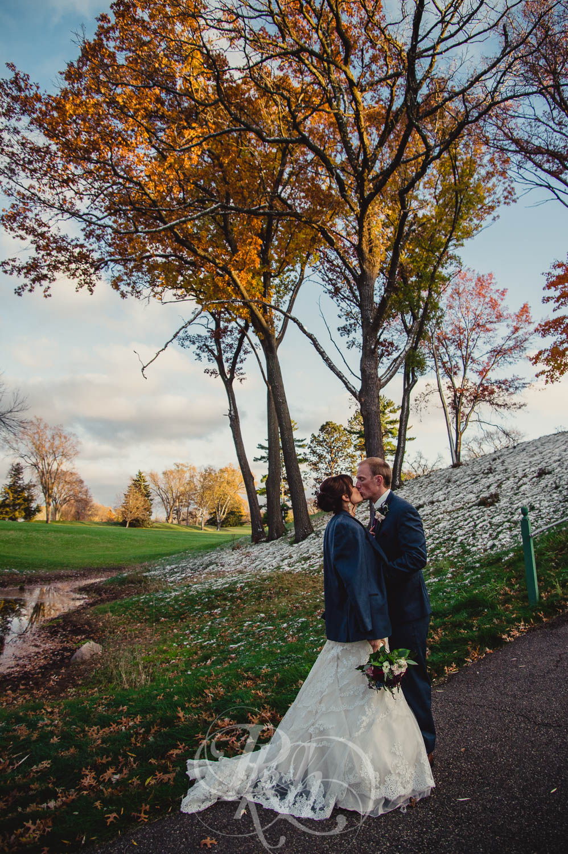 Nicole & Blake - Minnesota Wedding Photography - Minnesota Golf Club - RKH Images - Blog (26 of 44).jpg