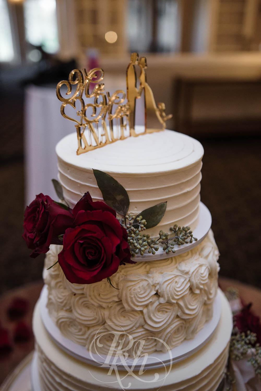 Nicole & Blake - Minnesota Wedding Photography - Minnesota Golf Club - RKH Images - Blog (31 of 44).jpg