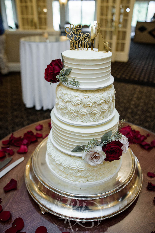 Nicole & Blake - Minnesota Wedding Photography - Minnesota Golf Club - RKH Images - Blog (32 of 44).jpg