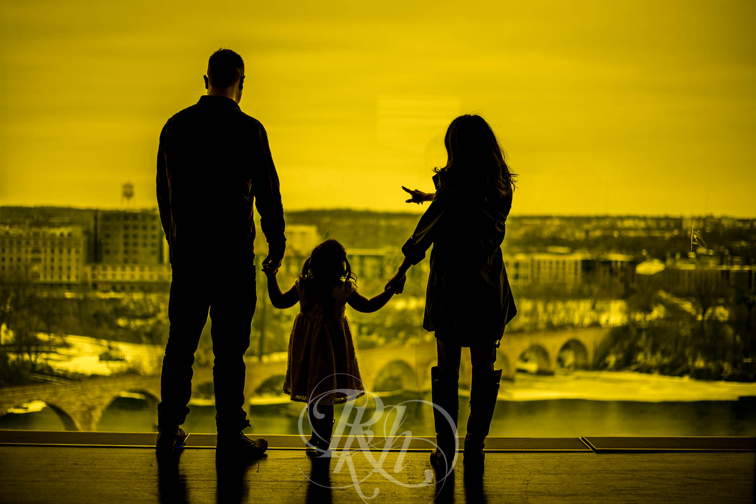 Maddie - Minnesota Family Photography - RKH Images  (10 of 11).jpg