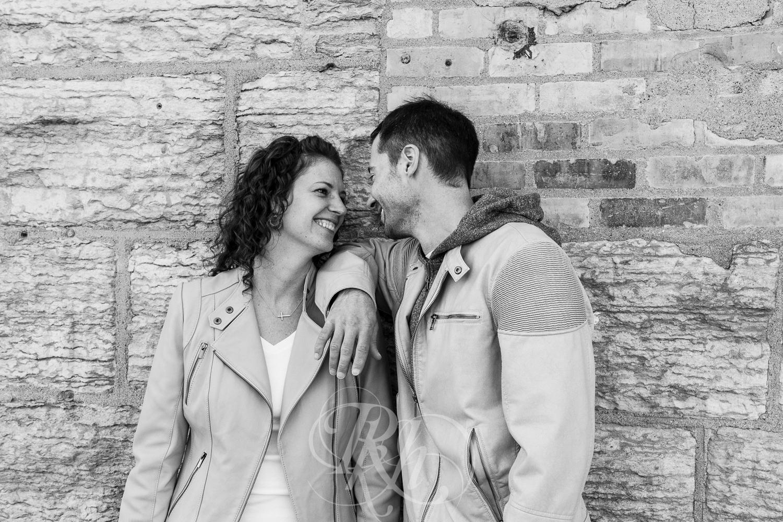 Stephanie & Sean - Minnesota Engagement Photography - RKH Images  -7.jpg