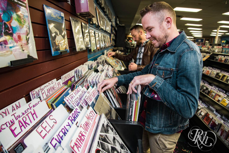 Reece & Joe - Minnesota LGBT Engagement Photography - RKH Images  (1 of 9).jpg