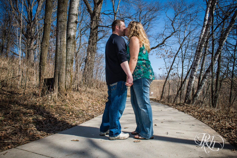 Katie & Arik - Minnesota Engagement Photograpy - Lebanon Hills Regional Park - RKH Images  (6 of 9).jpg