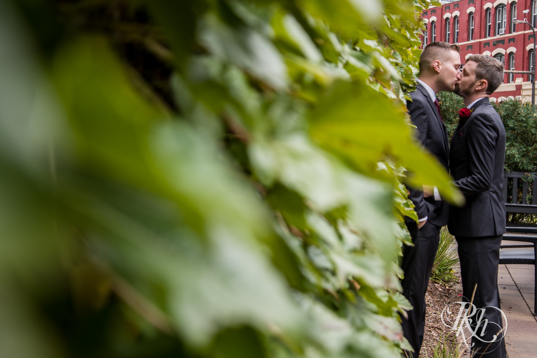 Michael & Darren - Minnesota LGBT Wedding Photography - Courtyard by Marriott Minneapolis - RKH Images - Blog (35 of 67).jpg