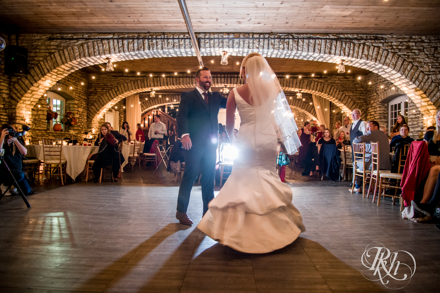 Amanda & Luke - Minnesota Wedding Photography - Mayowood Stone Barn - Rochester - RKH Images - Blog (66 of 67).jpg