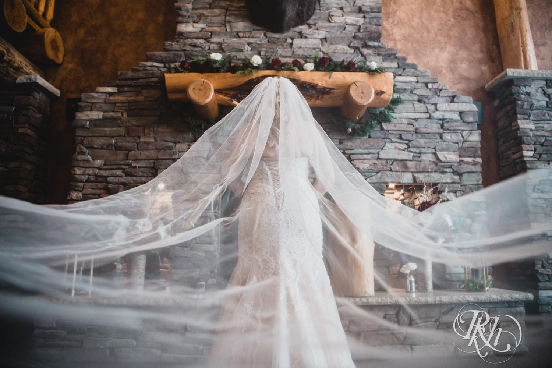 Katie & Arik - Minnesota Wedding Photography - Whitefish Lodge - Cross Lake - RKH Images - Blog (43 of 67).jpg
