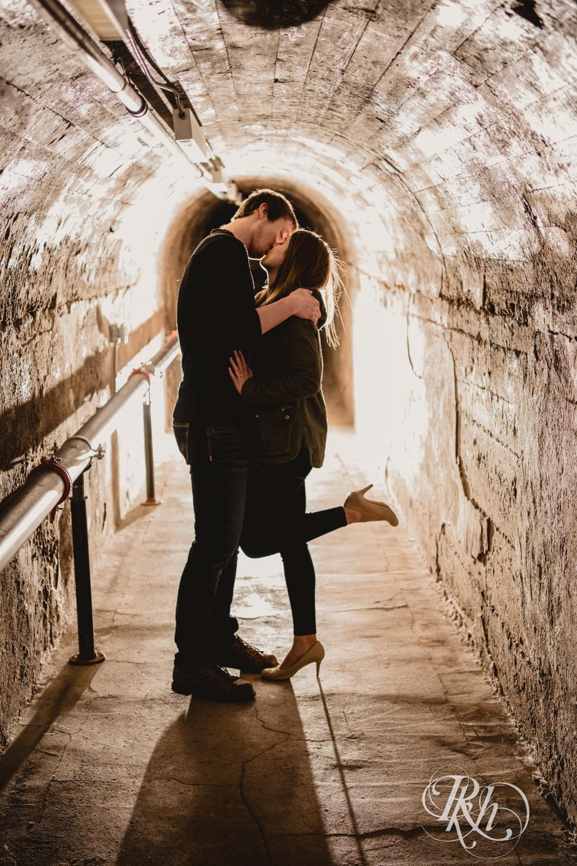 Makayla & Drew - Minnesota Winter Engagement Photography - St. Paul - RKH Images - Blog (6 of 18).jpg