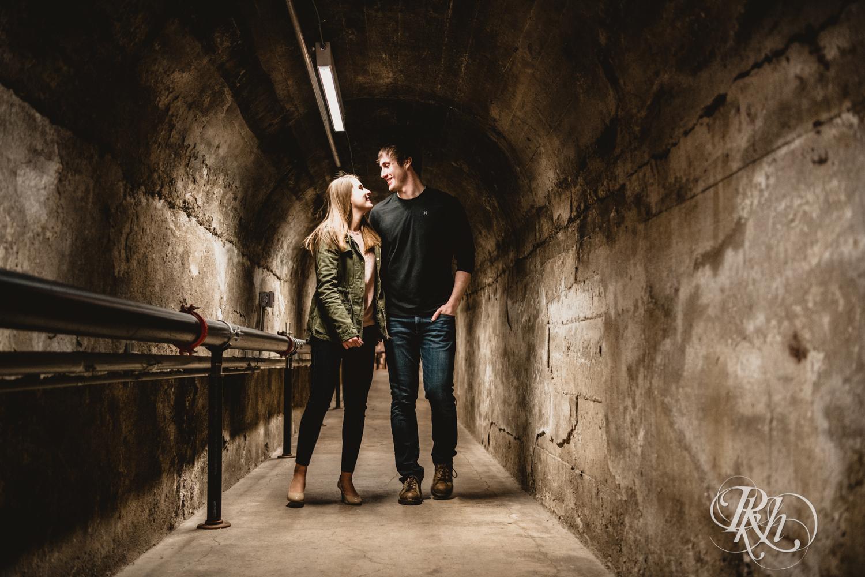 Makayla & Drew - Minnesota Winter Engagement Photography - St. Paul - RKH Images - Blog (8 of 18).jpg