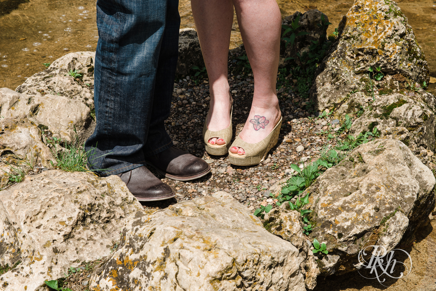 Tess and Eric - Lyndale Rose Garden - Minnesota Engagement Photography - RKH Images  (4 of 12).jpg