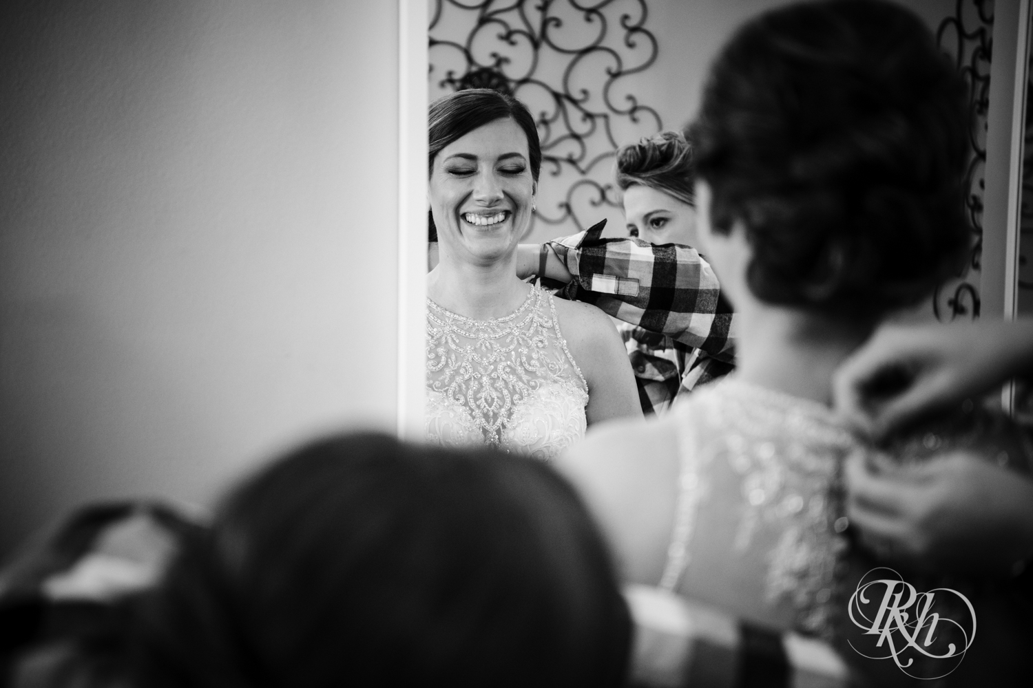 Jillian & Jared - Minnesota Wedding Photography - Lumber Exchange Event Center - RKH Images - Blog (9 of 87).jpg