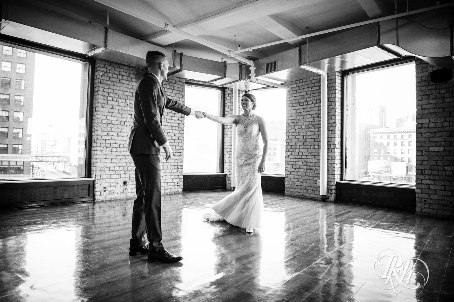 Jillian & Jared - Minnesota Wedding Photography - Lumber Exchange Event Center - RKH Images - Blog (19 of 87).jpg