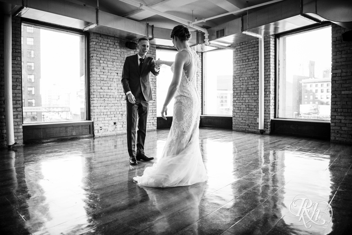 Jillian & Jared - Minnesota Wedding Photography - Lumber Exchange Event Center - RKH Images - Blog (20 of 87).jpg